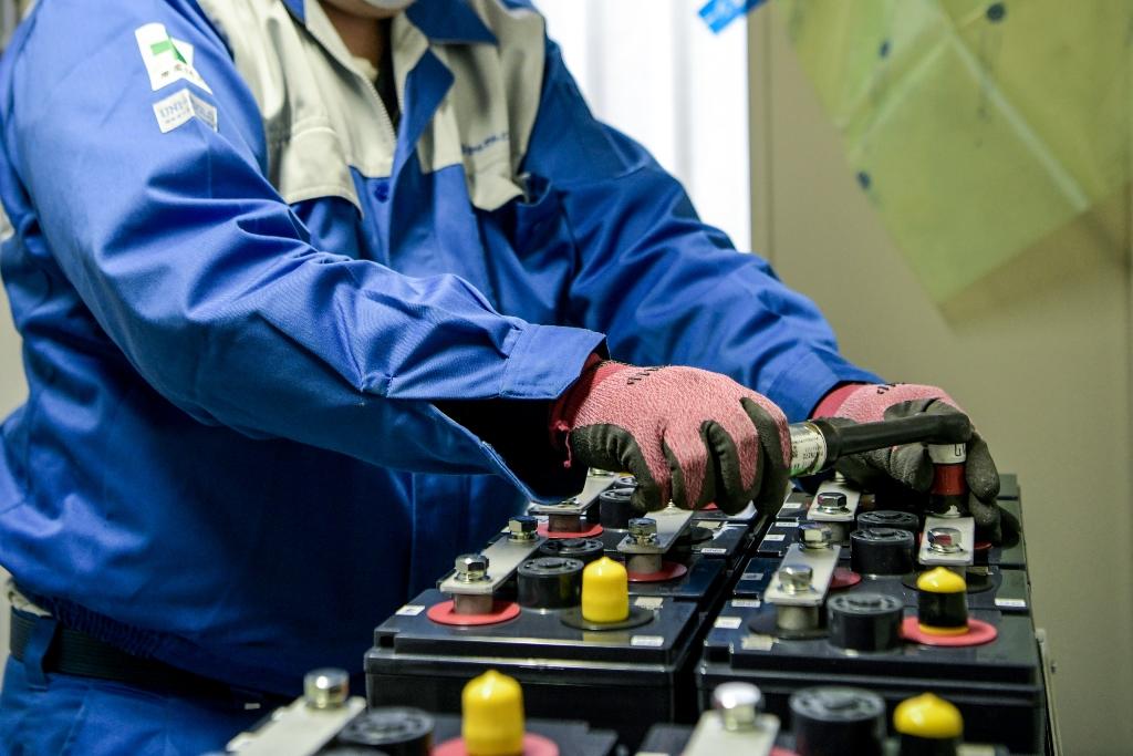 産業用バッテリー 蓄電池 据付 メンテナンス